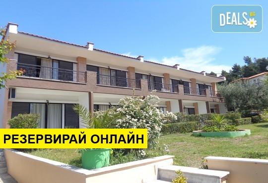 Нощувка на база HB в Porto Matina Hotel 2*, Метаморфоси, Халкидики
