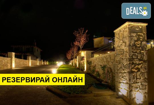 Нощувка на база Само стая,Закуска в Sunny Villas Resort and Spa, Ханиоти, Халкидики