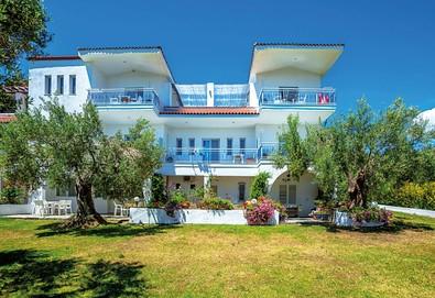 5+ нощувки на човек на база Само стая, Закуска и вечеря, All inclusive в Faros Apartments, Посиди, Халкидики - Снимка