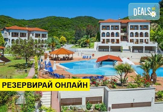 Нощувка на база HB,AI в Theoxenia Hotel 4*, Уранополис, Халкидики