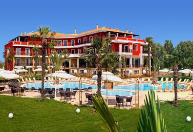 Посрещнете Нова година 2018 в Mediterranean Princess Hotel 4*, Катерини! 3/4 нощувки със закуски и вечери, гала вечеря с DJ и традиционни деликатеси! - Снимка