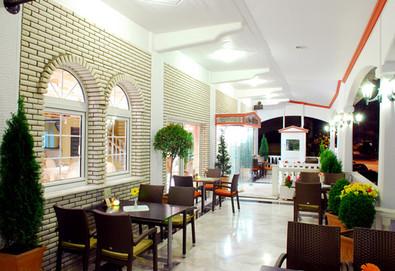 Нощувка на база Закуска в Strass Hotel 3*, Катерини, Олимпийска ривиера - Снимка