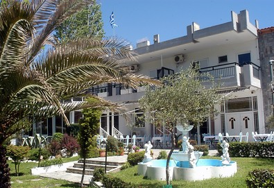 Нощувка на човек на база Само стая, Закуска в Athina Hotel 2*, Аспровалта, Северна Гърция - Снимка