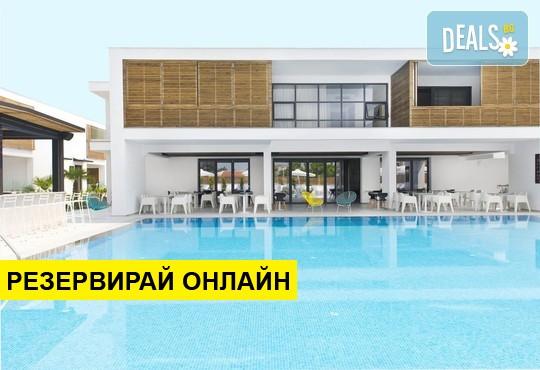 Нощувка на база BB,HB в The Oak Hotel 4*, Керамоти, Северна Гърция