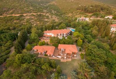 Нощувка на човек на база Закуска, Закуска и вечеря в FilosXenia Roxani Country House Hotel 3*, Марония, Северна Гърция - Снимка