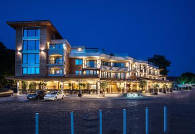 Почивка в Blu Bay Design Hotel, Созопол! 1 или повече нощувки със закуски, ползване на фитнес и външен басейн, безплатно за деца до 6 г. - Снимка