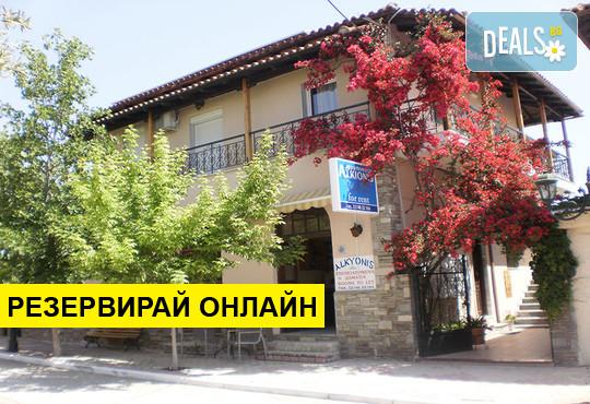 Нощувка на база Само стая в Alkionis Studios, Калитеа, Халкидики