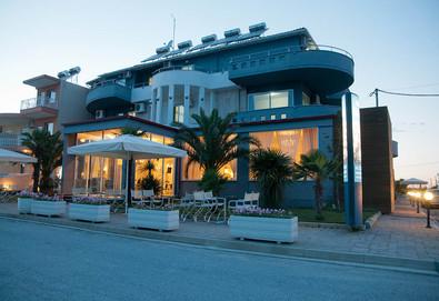2+ нощувки на човек на база Закуска и вечеря в Yakinthos Hotel, Паралия Катерини, Олимпийска ривиера - Снимка