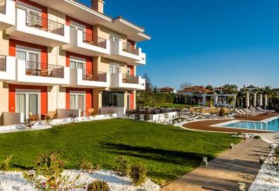 2+ нощувки на човек на база Закуска в Lagaria Palace Hotel 2*, Афитос, Халкидики - Снимка