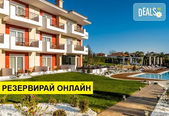 Нощувка на база Закуска в Lagaria Palace Hotel 2*, Афитос, Халкидики