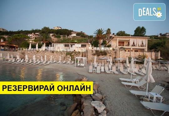 Нощувка на база Закуска и вечеря в White Suites Resort 4*, Афитос, Халкидики