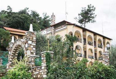2+ нощувки на човек на база Само стая, Закуска в Castle Pontos Hotel 2*, Скала Потами, о. Тасос - Снимка