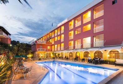 Нощувка на човек на база Закуска, Закуска и вечеря в Oasis Hotel 3*, Перама, о. Корфу - Снимка