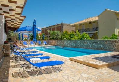 Нощувка на човек на база Закуска в Nostos Hotel 2*, Нидри, о. Лефкада - Снимка