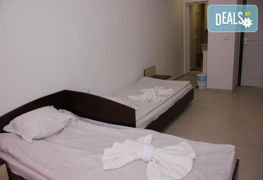 Цяло лято в Къща за гости Колев 2*, Несебър: нощувка, безплатно за дете до 2.99 г.
