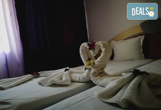 Ранни записвания! Морска почивка в Хотел Ванини, Несебър! Нощувка на 200 м. от плажа