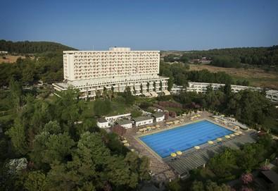 Нощувка на човек на база Закуска и вечеря, All inclusive в Athos Palace Hotel 4*, Калитеа, Халкидики - Снимка