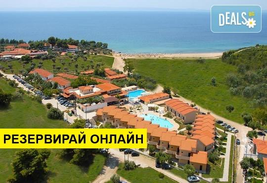 Нощувка на база RR в Village Mare Residences 4*, Полигирос, Халкидики