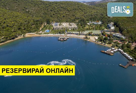 Самолетна програма от София! 7 нощувки на база All inclusive в Crystal Green Bay Resort & Spa 5*